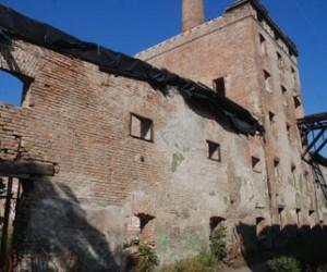 Ruine koje devet godina čekaju preobražaj