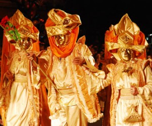 Karnevalske žmurke i šuge – Predstava bez pevanja i pucanja