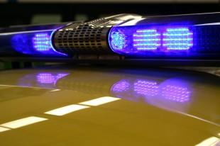 Prevrnuo se automobil na putu za Dolovo: povređena devojka