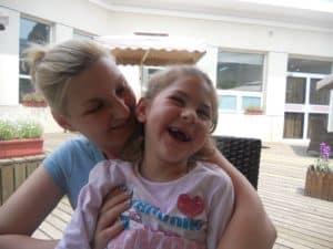 Zvezdana s mamom Valerijom u vreme kada je još uvek mogla da se osmehne