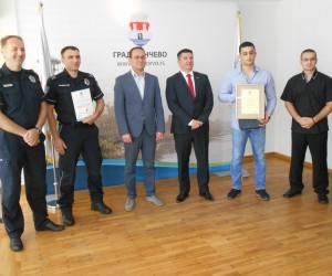 Stoilković i Burić najbolji policajci u junu