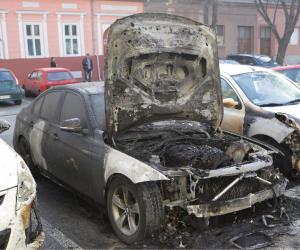 Noćas zapaljen BMW u centru grada