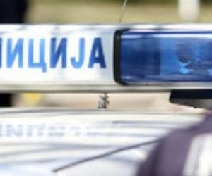 Poginuo vozač, udario u drvo