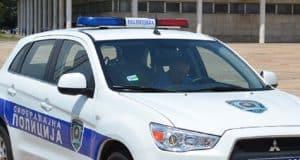 saobracajna+policija+-+vozilo