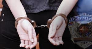 hapsenje+-+zenska+ruka+25.10