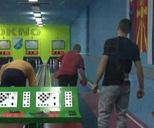 (VIDEO) Radničko-sportske igre u kuglanju u Kovačici